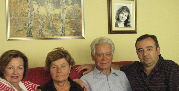 v and v with amina's mom and dad